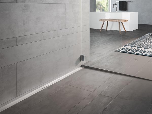 Il nuovo profilo doccia TECEdrainprofile – bello, pratico, a filo parete.