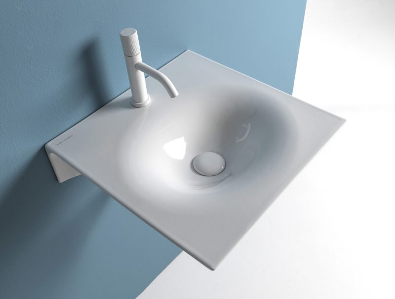 Scarabeo Ceramiche presenta il lavabo sospeso Veil a ISH (Hall 3.0 stand C25)
