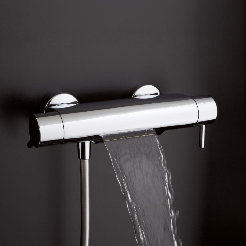 Miscelatore vasca a cascata OMBG: il termostatico emozionale